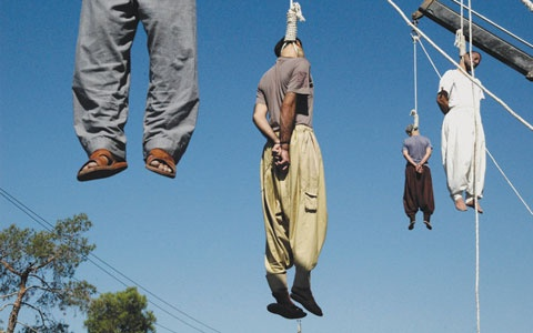 A public mass execution in Iran by hanging from cranes