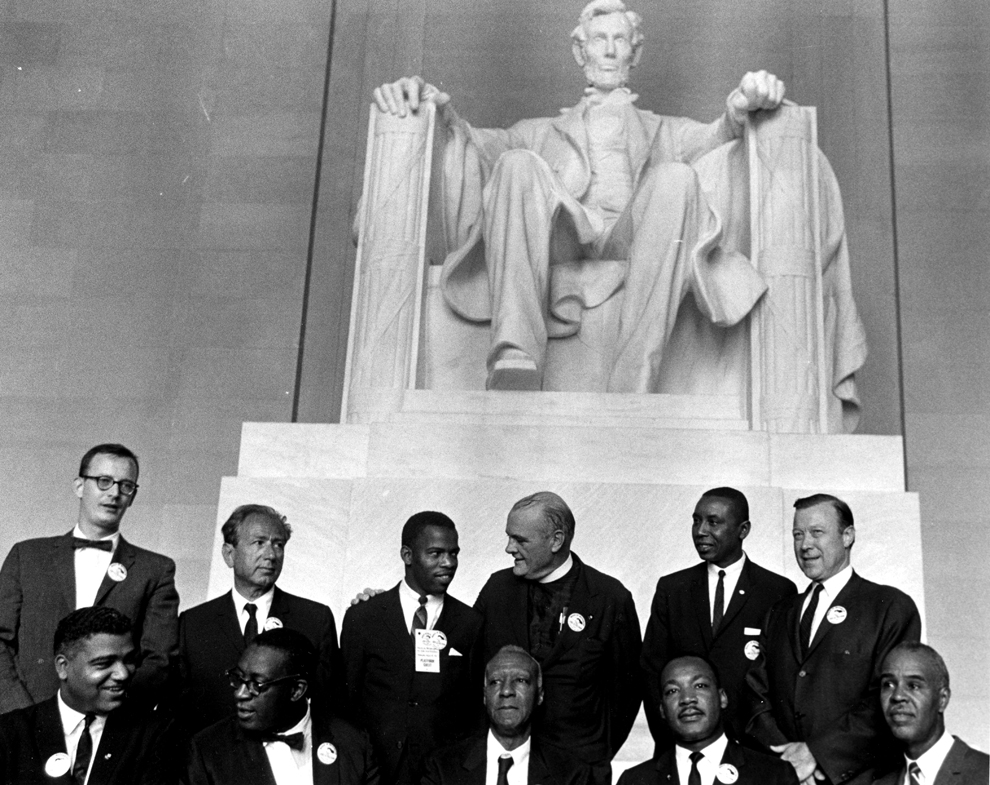 Dr. Martin Luther King and his supporters at the Lincoln Memorial