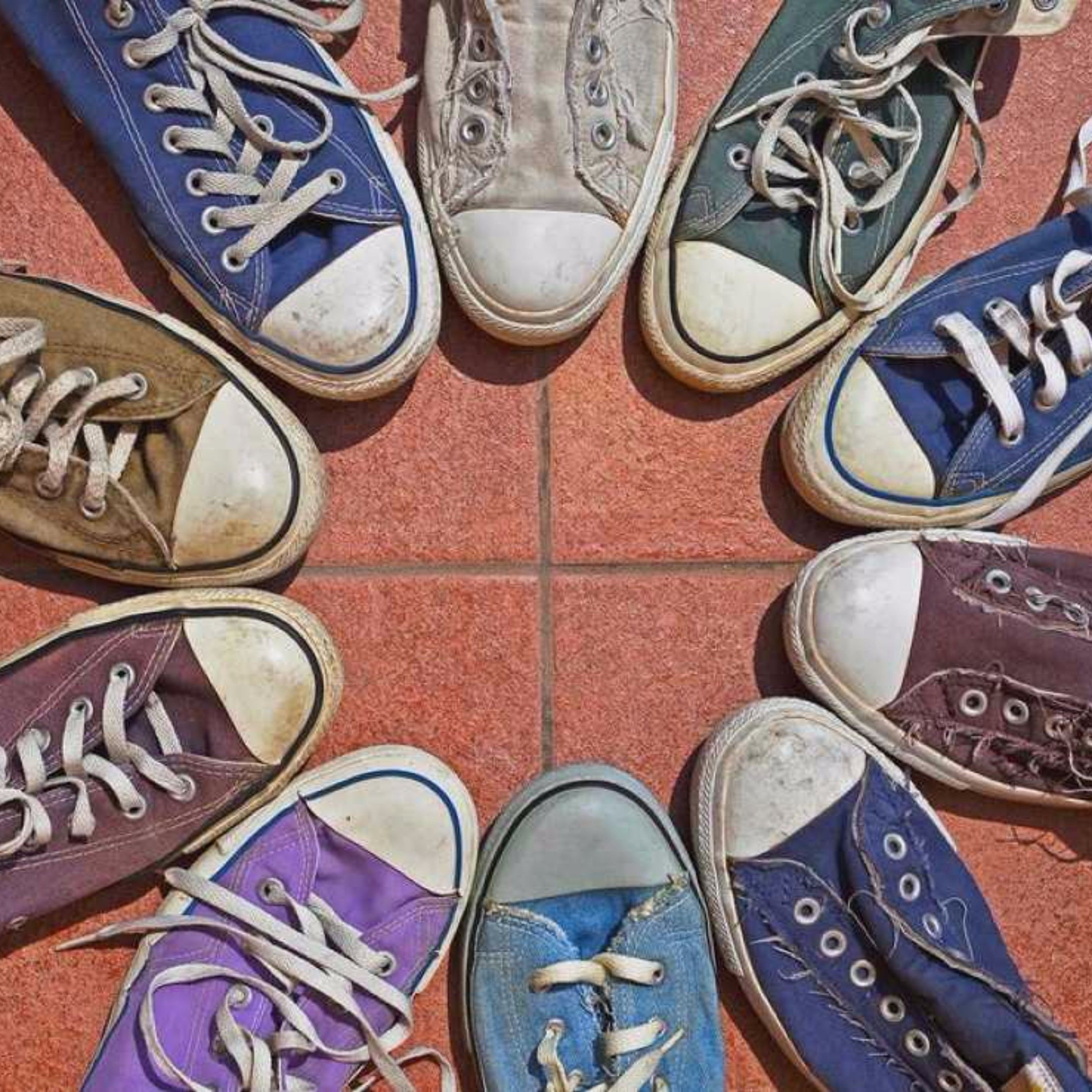 d647af63d9c Visually pleasing photo  Converse-ation circle ...