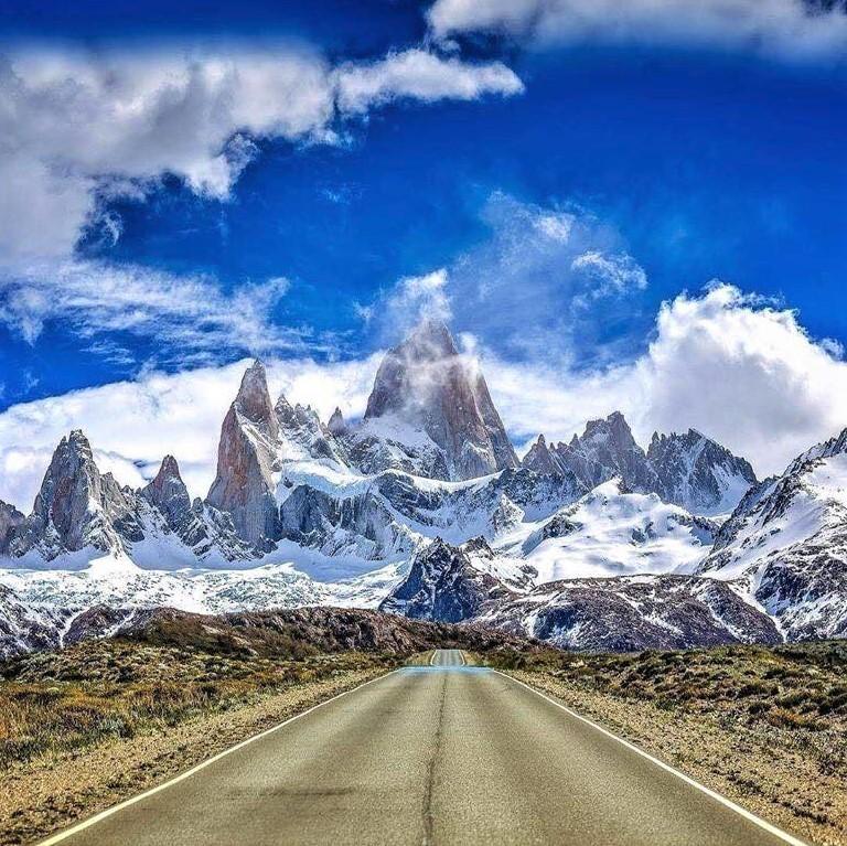 Stunning road to Mount Fitz Roy, Patagonia