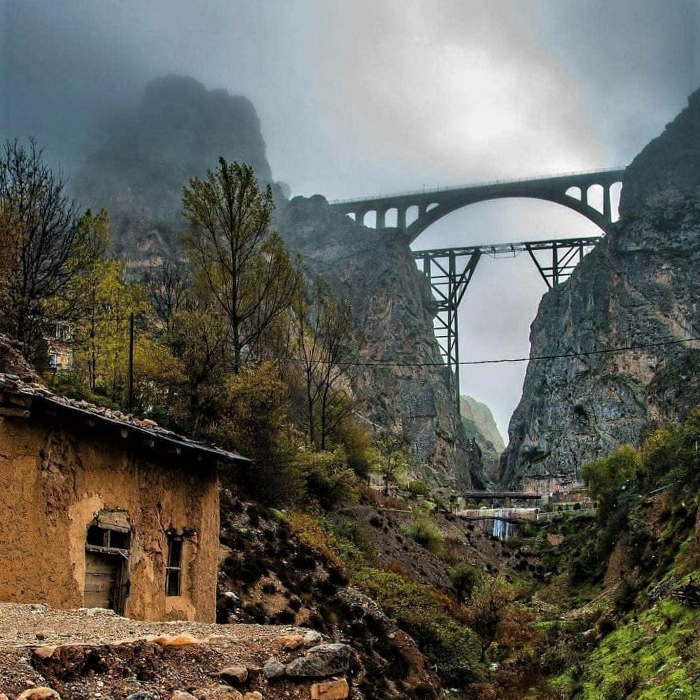 Veresk railroad bridge in northern Iran