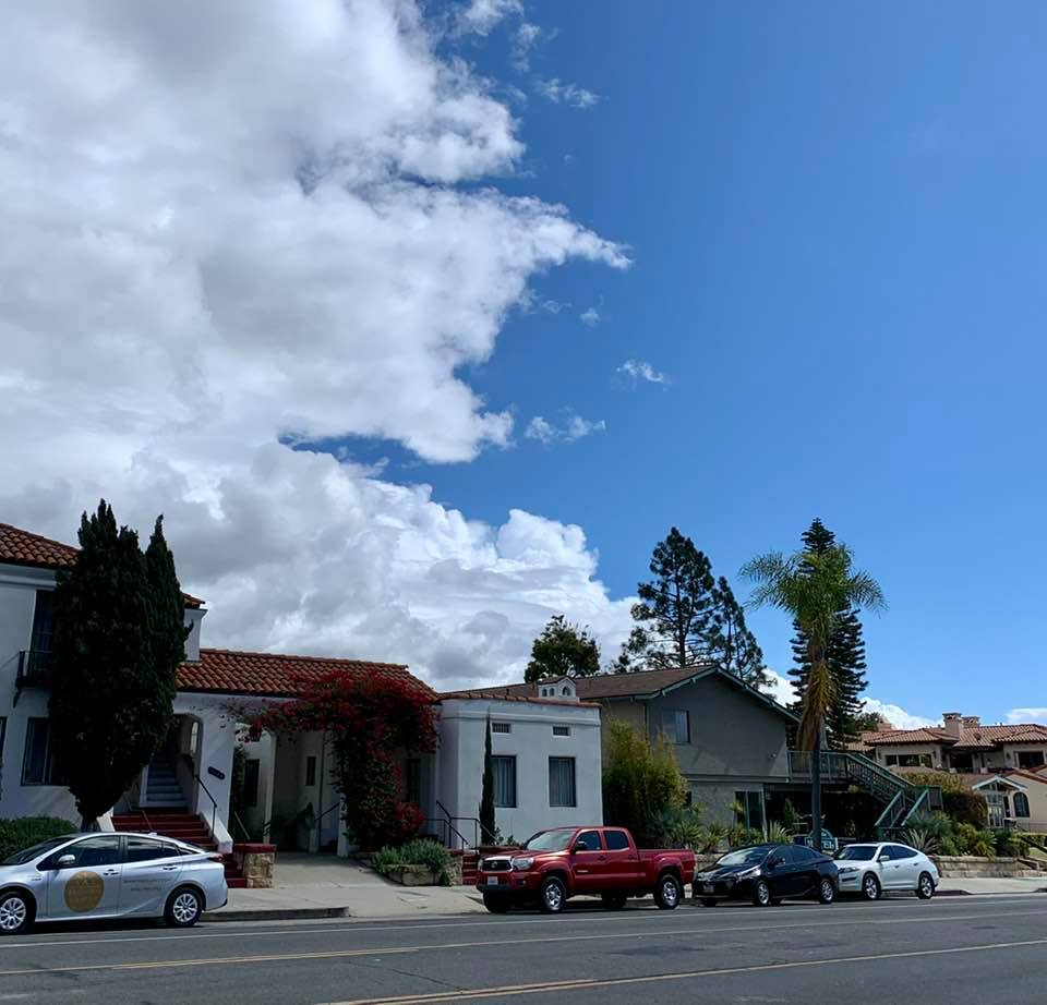 On State Street in downtown Santa Barbara: The boundary between cloudy and sunny!