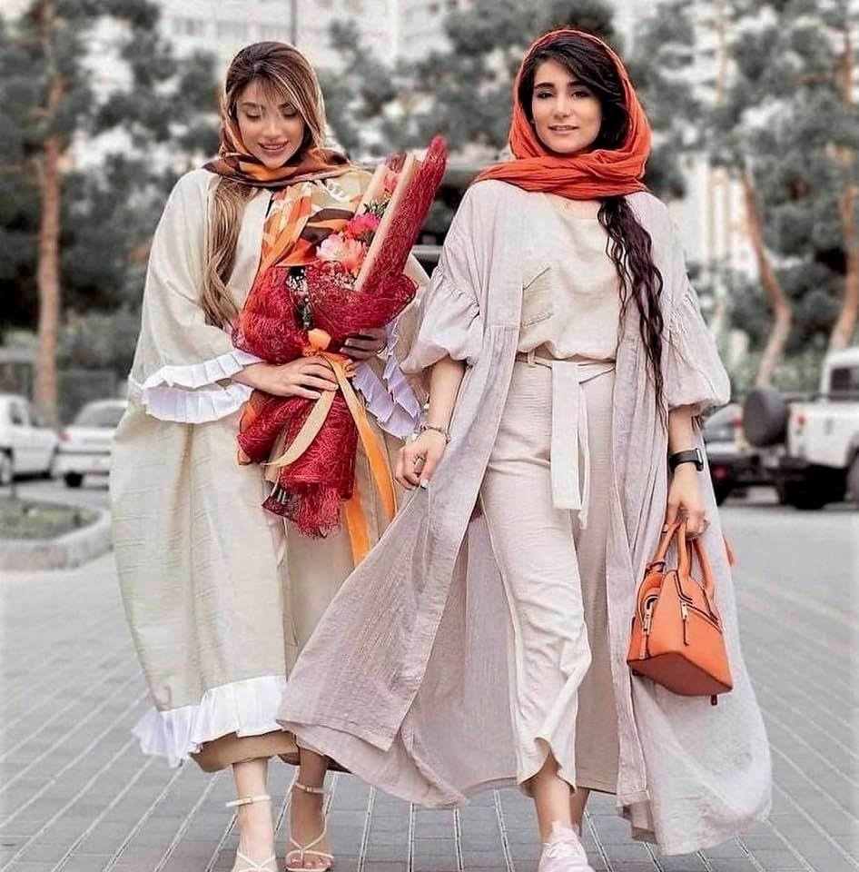 The real Iran? Not! (Two stylish women on a Tehran street)