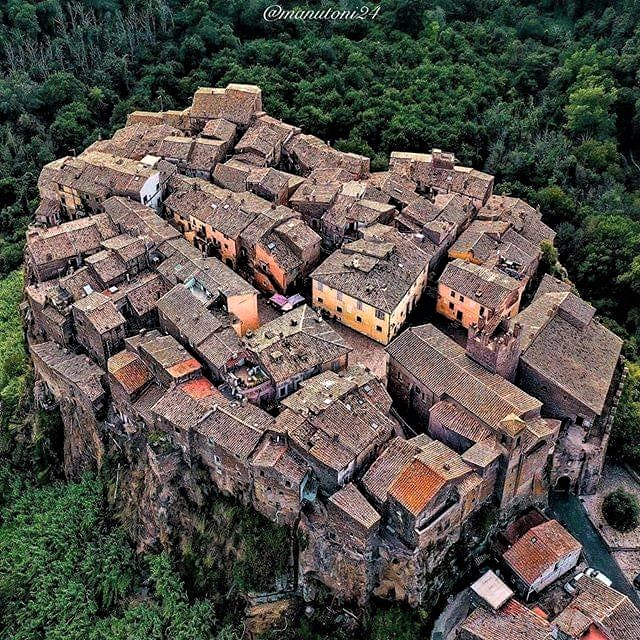 Wonders of the world: Kalkata, an Italian village located on top of a volcanic cliff in North Lazio