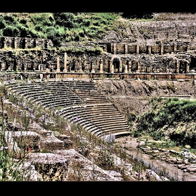 Excavated Stadium of Magnesia in western Turkey: A different view